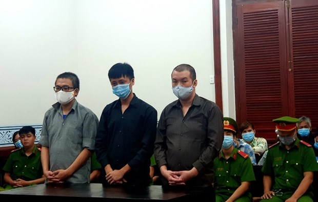 TP.HCM: Tuyen phat 3 nguoi to chuc cho nguoi Trung Quoc o trai phep hinh anh 1