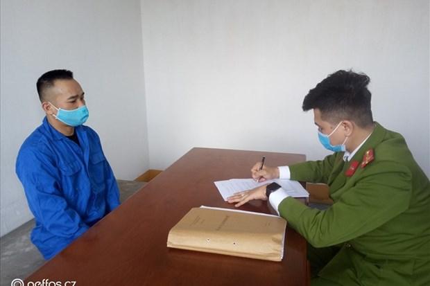 Quang Ninh: Tam giu 6 doi tuong trong duong day danh bac, choi lo de hinh anh 1