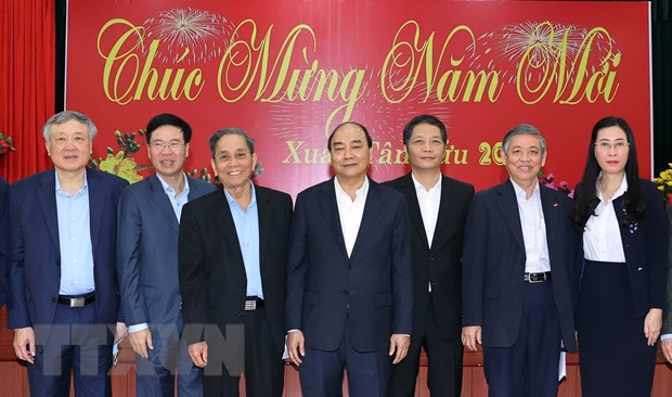 Thu tuong Nguyen Xuan Phuc chuc Tet cac nguyen lanh dao Dang, Nha nuoc hinh anh 1