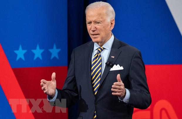 My: Ong Biden hoi thuc Thuong vien thong qua goi cuu tro 1.900 ty USD hinh anh 1