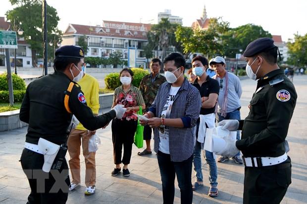 COVID-19: Campuchia phat nang truong hop vi pham quy dinh phong dich hinh anh 1