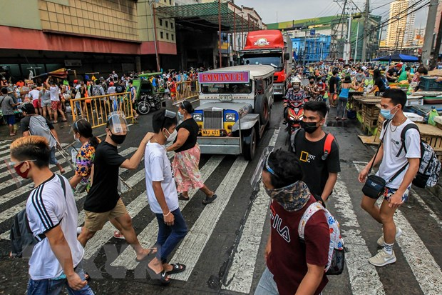So ca nhiem tiep tuc tang, Philippines phong toa vung thu do Manila hinh anh 1