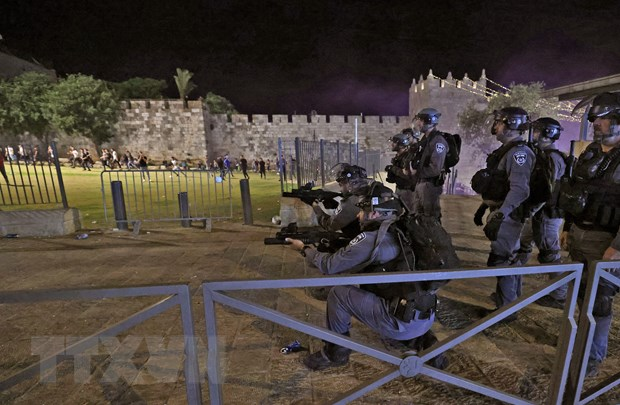 Bao luc giua nguoi Palestine va canh sat Israel tai dien tai Jerusalem hinh anh 1