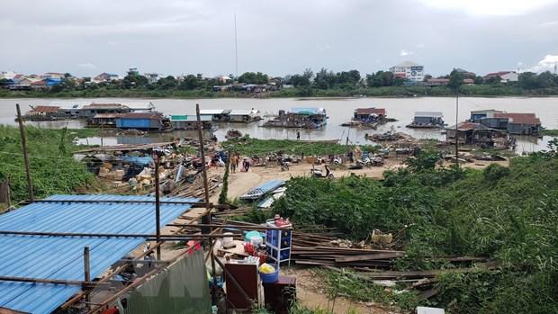 Campuchia: Nguoi goc Viet chap hanh di doi nha noi tai song Phnom Penh hinh anh 1