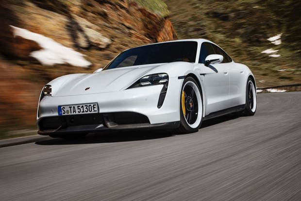 Porsche hop tac Custom Cell phat trien pin oto dien hieu suat cao hinh anh 1
