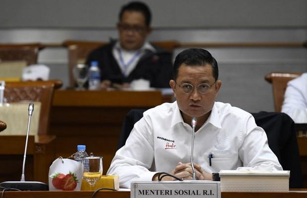 Indonesia phat tu cuu Bo truong Xa hoi do tham o tien ho tro COVID-19 hinh anh 1