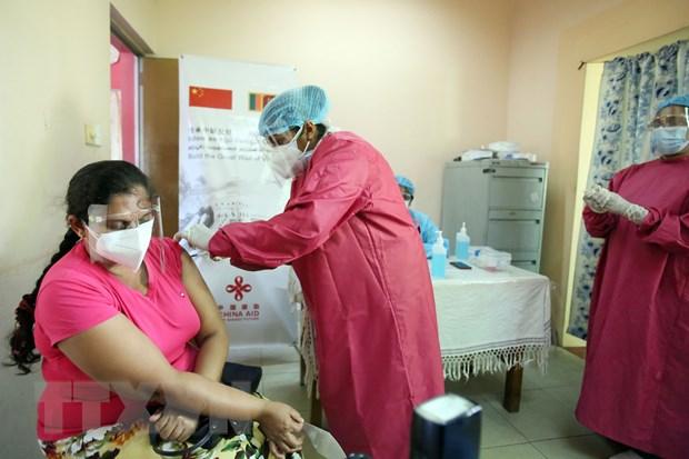 Sri Lanka can moc tiem 10 trieu lieu vaccine phong ngua COVID-19 hinh anh 1