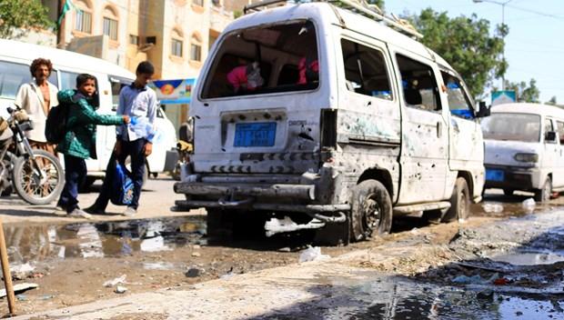Danh bom xe nham vao quan chuc cap cao Yemen lam 5 nguoi thiet mang hinh anh 1
