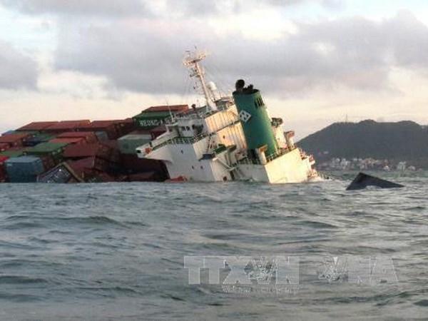 Ba Ria-Vung Tau: Tiep tuc tim kiem container troi dat hinh anh 1