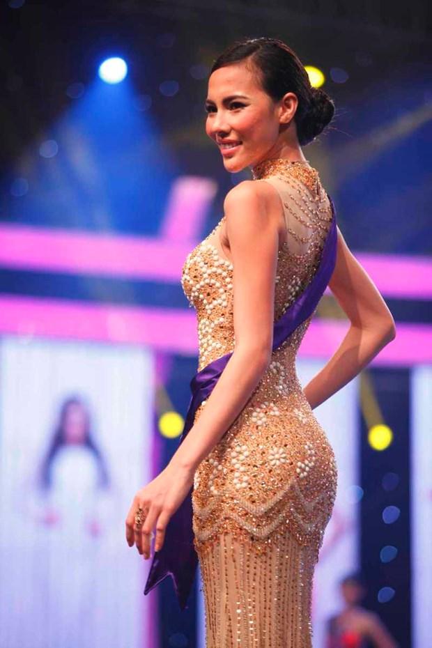 An tuong liveshow mo man cua top 18 Hoa khoi Ao dai Viet Nam hinh anh 4