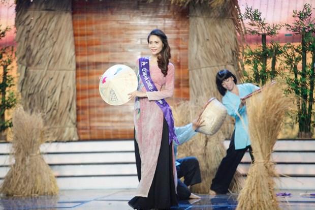 Liveshow 5 Hoa khoi Ao dai Viet Nam: Que Chi ngam ngui dung buoc hinh anh 3