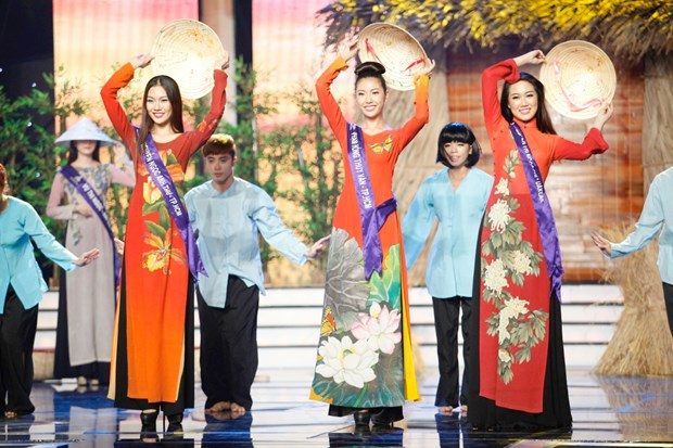 Liveshow 5 Hoa khoi Ao dai Viet Nam: Que Chi ngam ngui dung buoc hinh anh 5