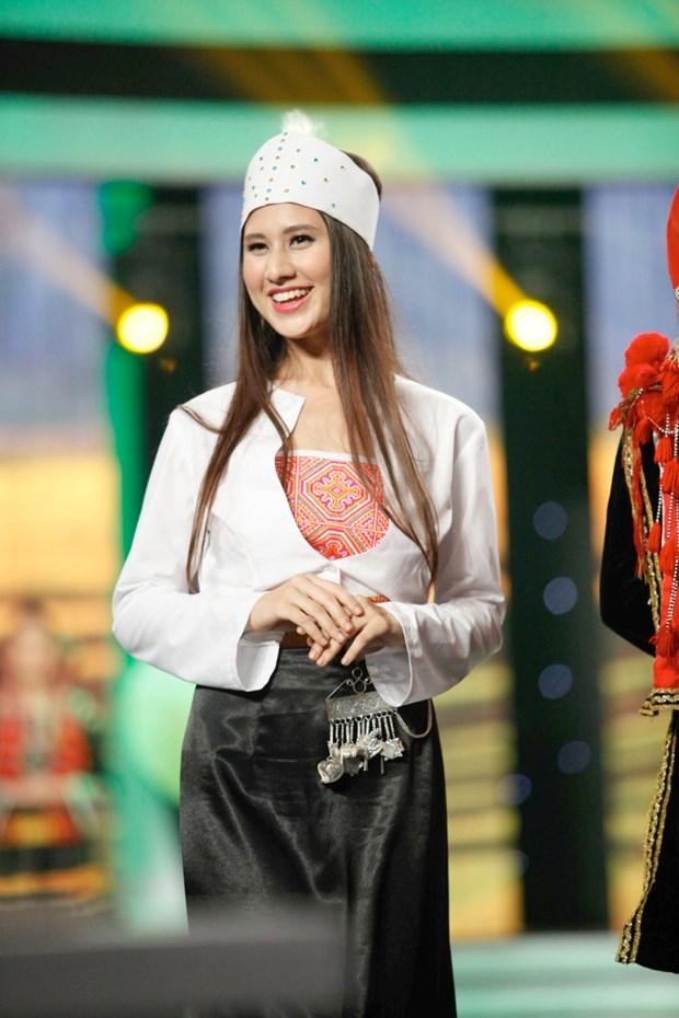 Liveshow 5 Hoa khoi Ao dai Viet Nam: Que Chi ngam ngui dung buoc hinh anh 12