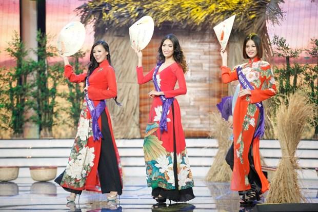 Liveshow 5 Hoa khoi Ao dai Viet Nam: Que Chi ngam ngui dung buoc hinh anh 6