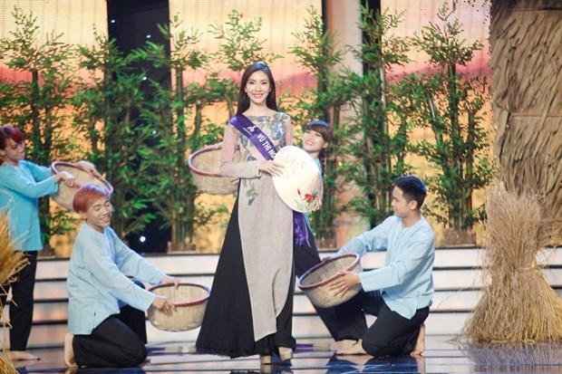 Liveshow 5 Hoa khoi Ao dai Viet Nam: Que Chi ngam ngui dung buoc hinh anh 10