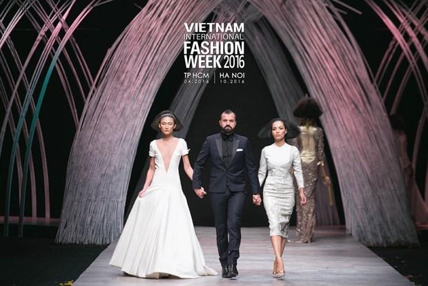 Vietnam International Fashion Week se to chuc hai lan moi nam tu 2016 hinh anh 2