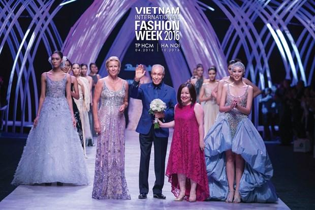 Vietnam International Fashion Week se to chuc hai lan moi nam tu 2016 hinh anh 7