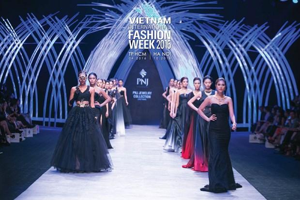 Vietnam International Fashion Week se to chuc hai lan moi nam tu 2016 hinh anh 10