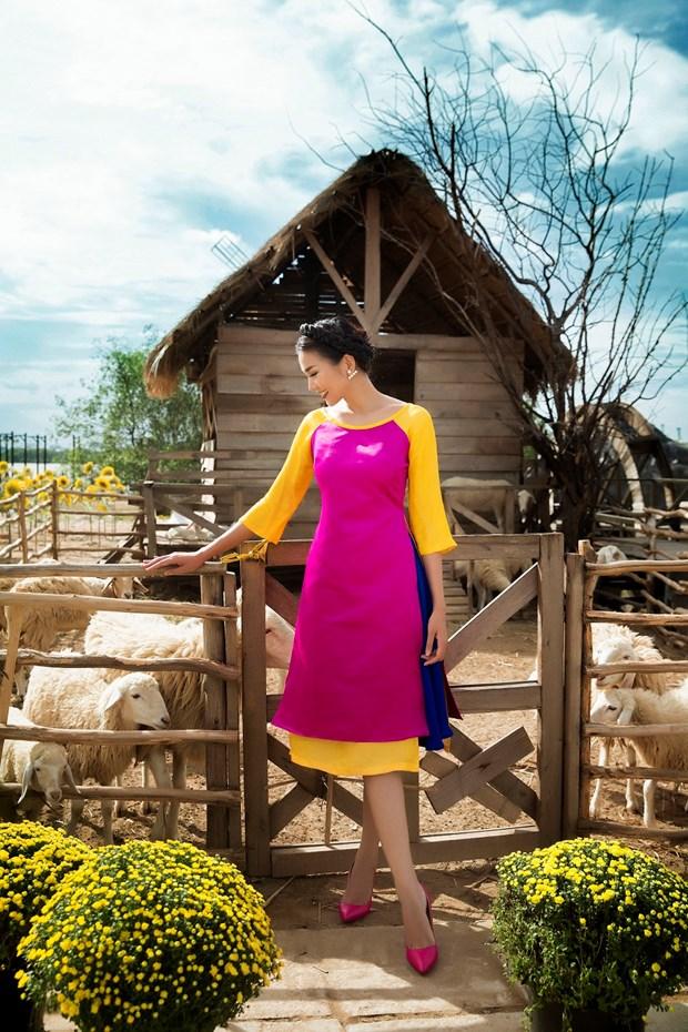 Sieu mau Thanh Hang goi y cach chon ao dai cach tan dien Tet hinh anh 5