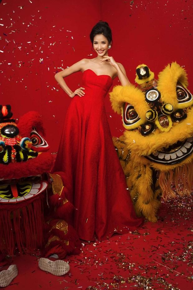 Top 3 Hoa hau Hoan vu Viet Nam 2017 'do ruc' mung Xuan moi hinh anh 3
