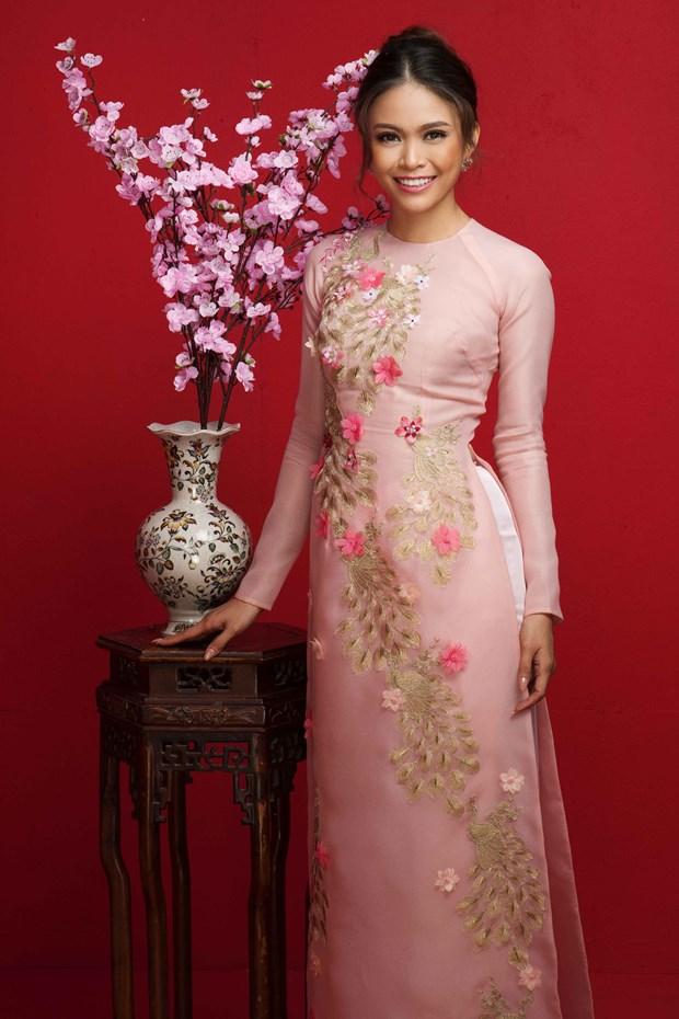 Top 3 Hoa hau Hoan vu Viet Nam 2017 'do ruc' mung Xuan moi hinh anh 8