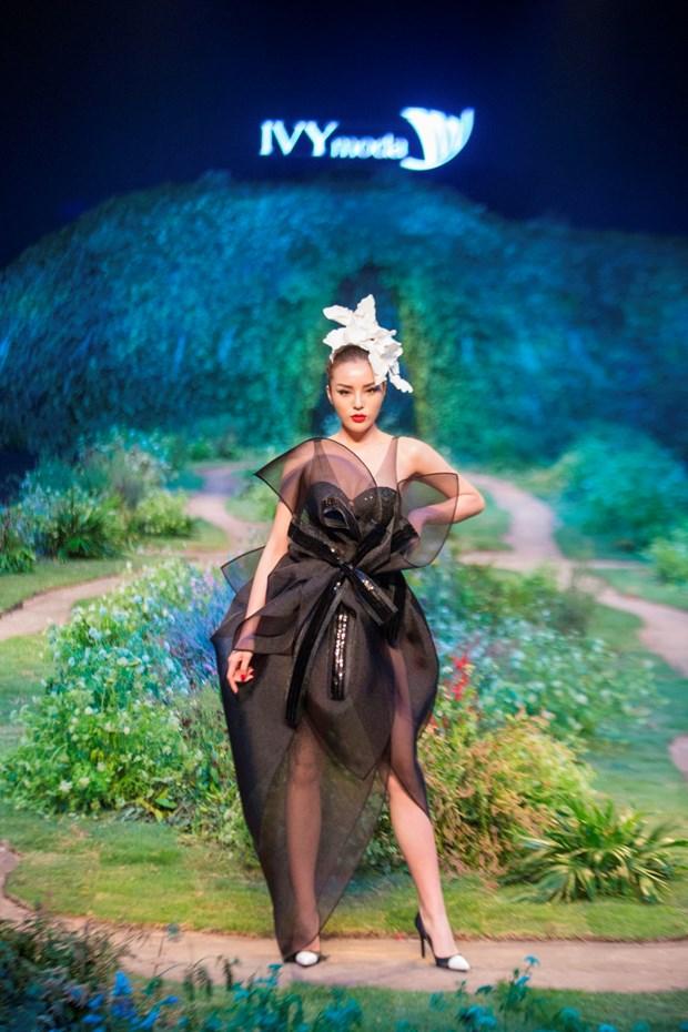 'Su troi day': Bo suu tap Xuan He day ca tinh cua Ivy moda hinh anh 2