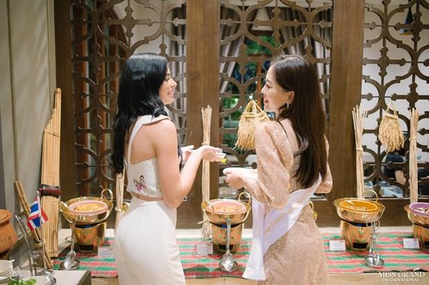 A hau Phuong Nga va no luc noi bat tai Miss Grand International 2018 hinh anh 21