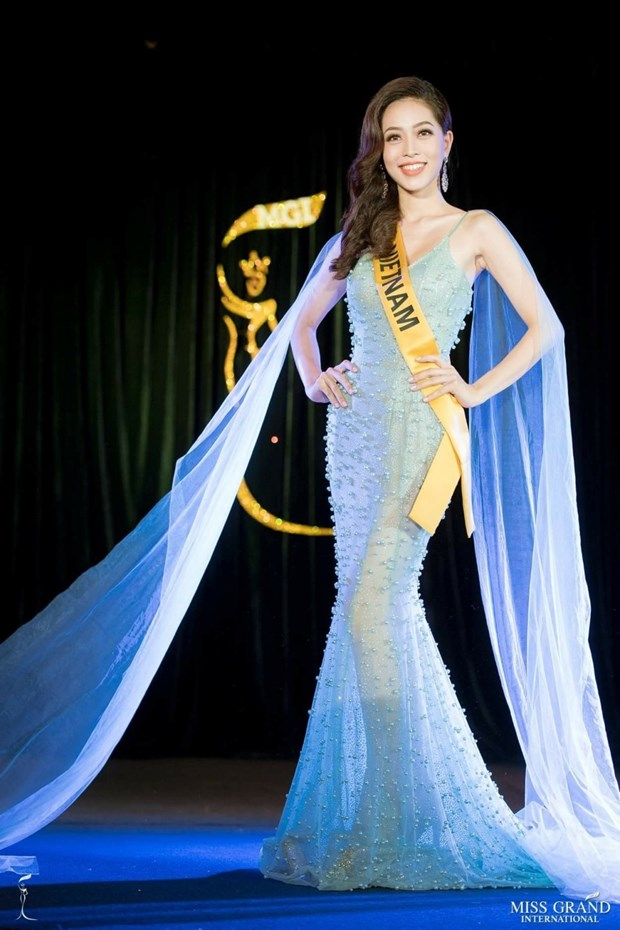 A hau Phuong Nga va no luc noi bat tai Miss Grand International 2018 hinh anh 24