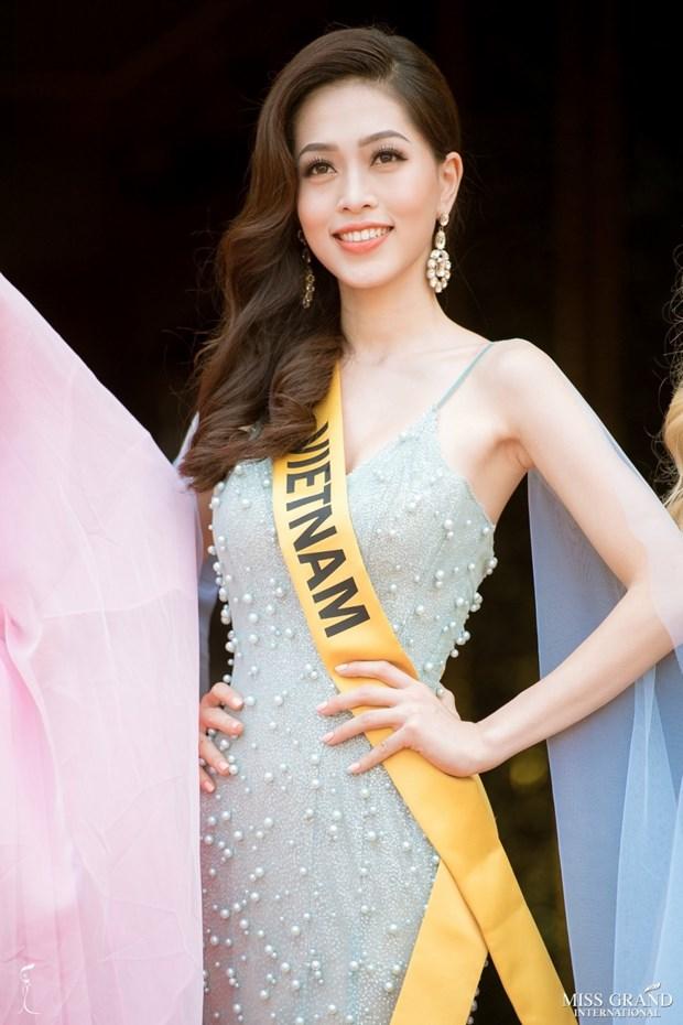 A hau Phuong Nga va no luc noi bat tai Miss Grand International 2018 hinh anh 26