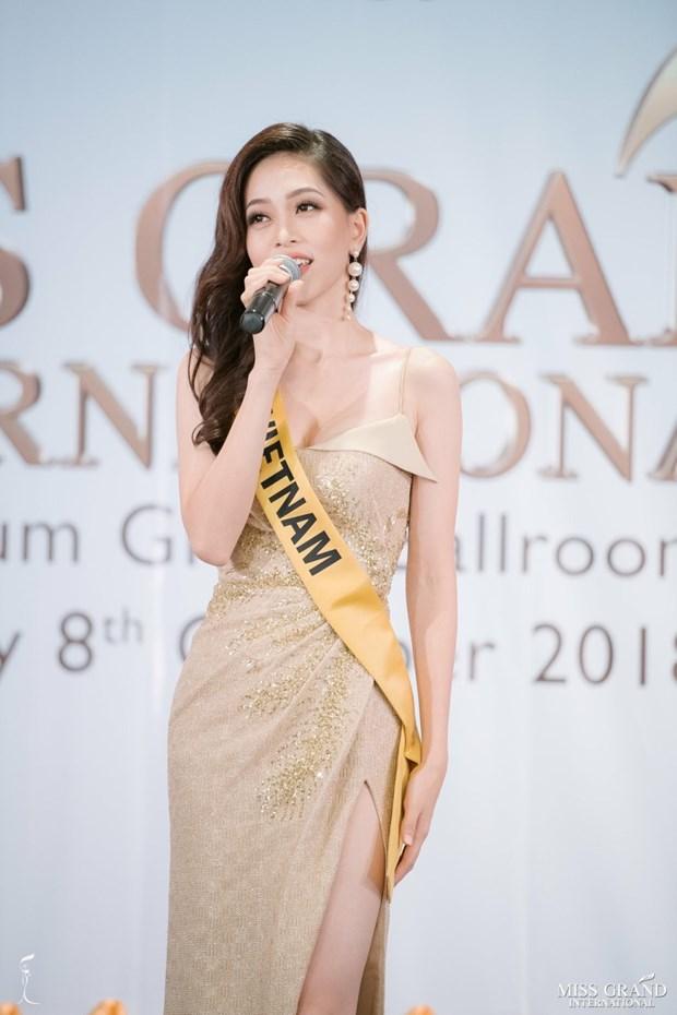 A hau Phuong Nga va no luc noi bat tai Miss Grand International 2018 hinh anh 30
