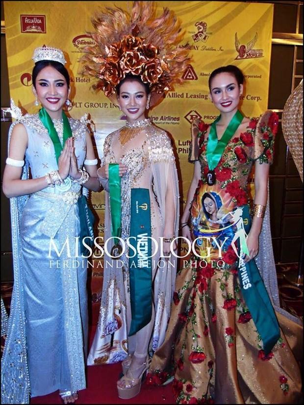 Dai dien Viet Nam thang phan thi trang phuc dan toc Miss Earth 2018 hinh anh 2