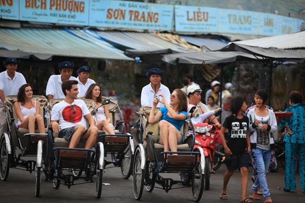"Lanh dao nganh du lich ""phat ngon chinh thong"" ve tour 0 dong hinh anh 1"