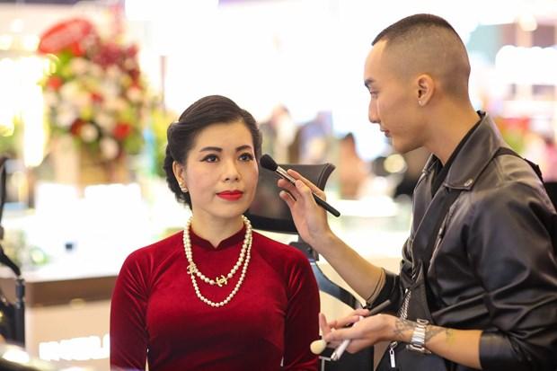 Trang diem thong minh voi 'my pham sach' den tu chau Au hinh anh 9