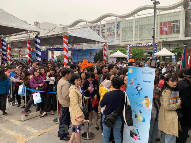 Travel Fest 2019: Tung bung Le hoi khuyen mai du lich dau tien hinh anh 1