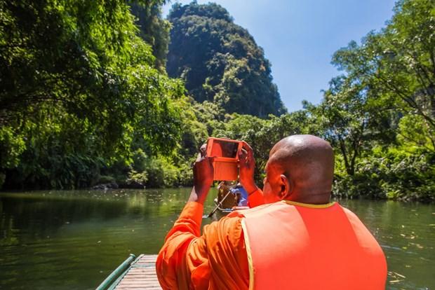 Hau Vesak 2019: Dai bieu quoc te ngo ngang kham pha canh dep Viet Nam hinh anh 3