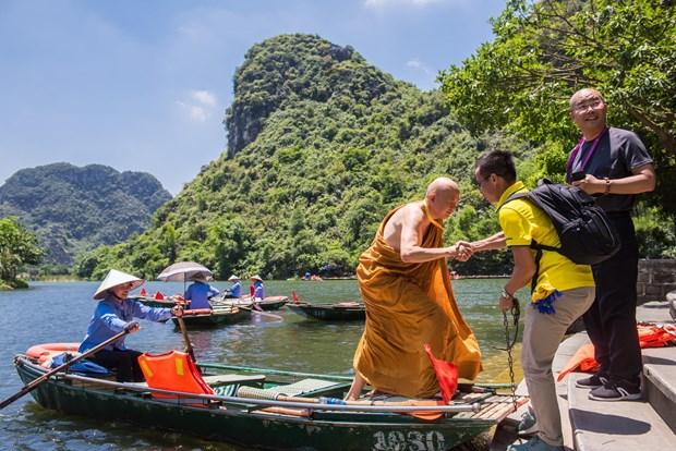 Hau Vesak 2019: Dai bieu quoc te ngo ngang kham pha canh dep Viet Nam hinh anh 1
