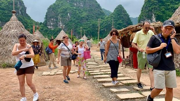 Ninh Binh: Thoi cua du lich hang dong trong long di san the gioi hinh anh 3