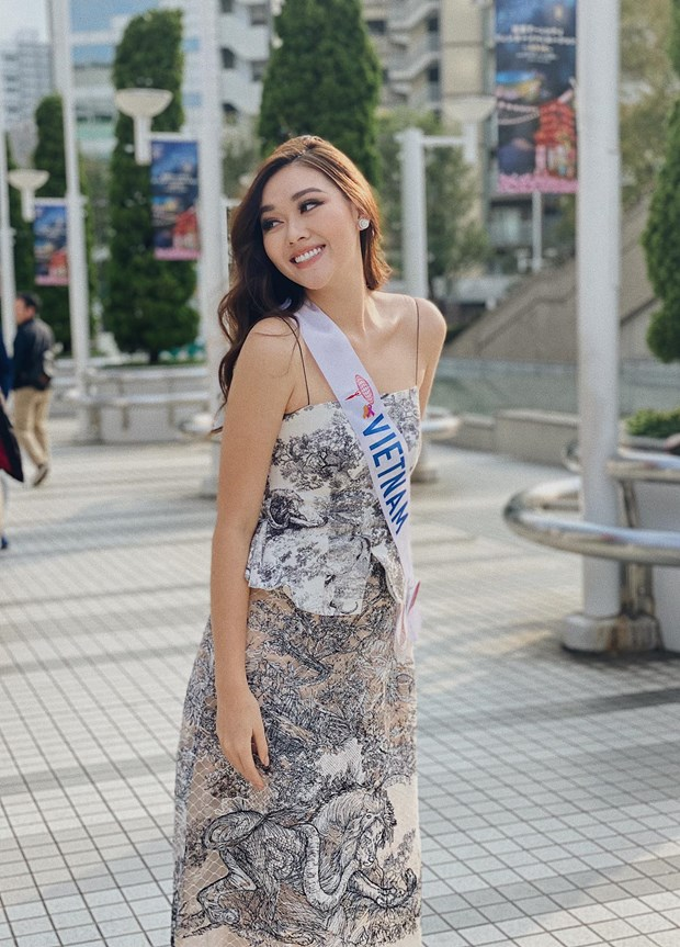 Miss International: Tuong San but pha manh me truoc them chung ket hinh anh 2