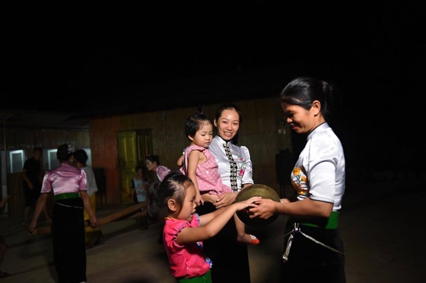 Lan toa ban sac van hoa nguoi Thai bang du lich cong dong hinh anh 3