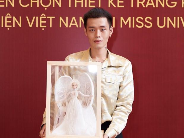 Bat ngo ve trang phuc dan toc cho Khanh Van tai Miss Universe 2020 hinh anh 1