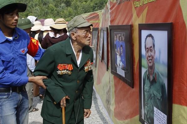 Dai tuong Vo Nguyen Giap trong trai tim nguoi dan Le Thuy hinh anh 1