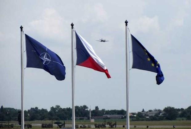 Nguoi bieu tinh o Sec goi NATO la mot