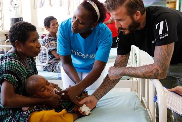 David Beckham giup do nhung tre em ngheo o Papua New Guinea hinh anh 1