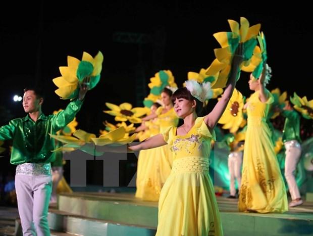 Luong khach den Festival hoa Da Lat chi bang mot nua so voi du kien hinh anh 1