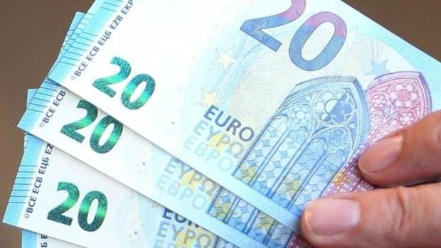 Lien minh chau Au ha du bao toc do tang truong cua Eurozone hinh anh 1