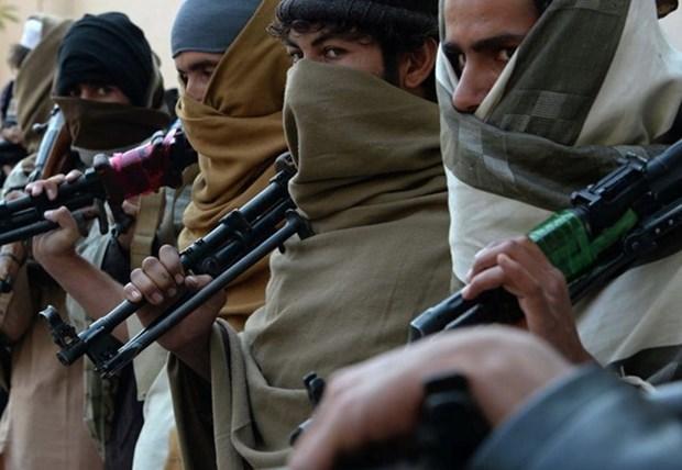 Taliban bat nguoi dan Afghanistan chung kien canh sat hai con tin hinh anh 1