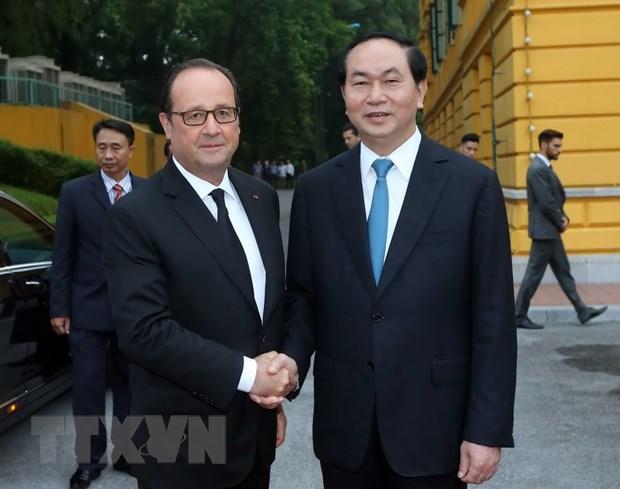 [Photo] Chu tich nuoc Tran Dai Quang don Tong thong Phap Hollande hinh anh 1