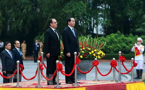 [Photo] Chu tich nuoc Tran Dai Quang don Tong thong Phap Hollande hinh anh 3