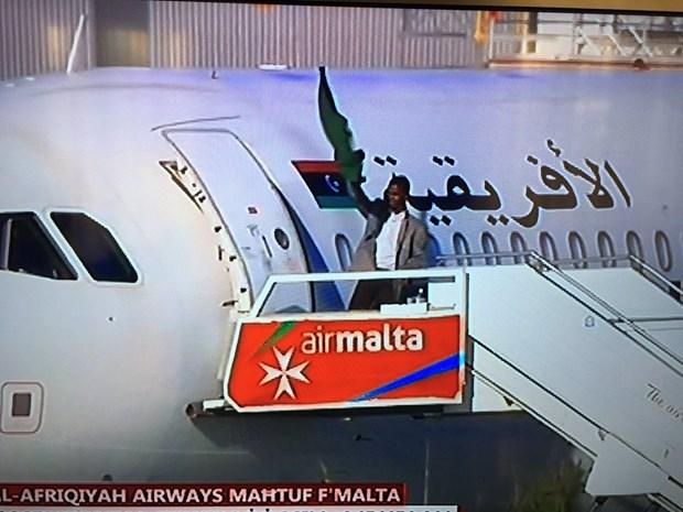 Thu tuong Malta thong bao 118 nguoi tren may bay Libya da an toan hinh anh 1