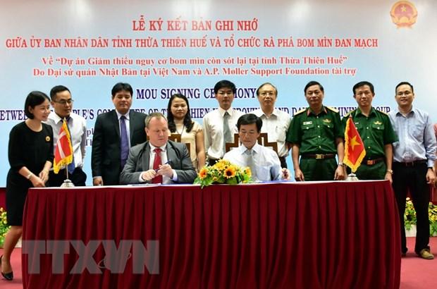 Ho tro 1,2 trieu USD giam thieu nguy co bom min tai Thua Thien-Hue hinh anh 1